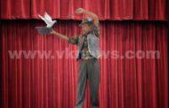 ತೆರೆದ ವೇದಿಕೆಯಲ್ಲಿ ತಮ್ಮ ವಿಶೇಷ ಕೈಚಳಕದ ಮೂಲಕ ಜಾದೂ ಪ್ರದರ್ಶನ ನೀಡಿ ನೋಡುಗರನ್ನು ಮೂಕವಿಸ್ಮಿತರನ್ನಾಗಿಸಿದ ಎಂ ಡಿ ಜಾದೂಗಾರ್
